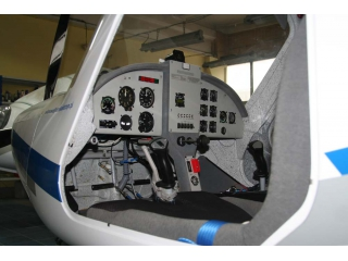 Kokpit samolotu 3XTrim SP-SKTS